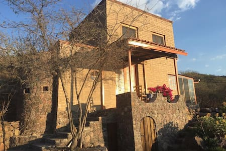 unique ecofriendly hilltop retreat - San Miguel de Allende - Huis