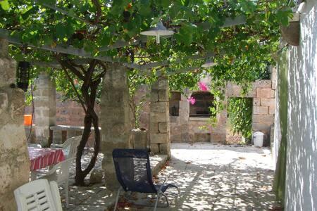 SALENTO - TRICASE Marina Serra, alloggio in villa. - Marina Serra