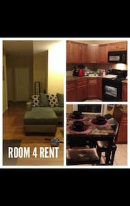 NETFLIX's COUCH & FLAT SCREEN Tv - Apartment
