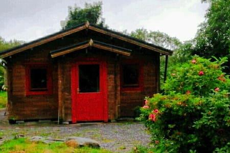 Lough Hyne Log Cabin - Cabin