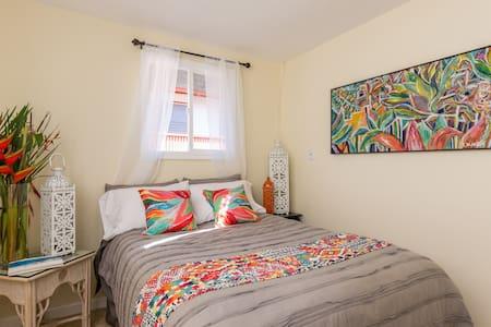 HALE WAI-Ocean & Mountain View Room - House