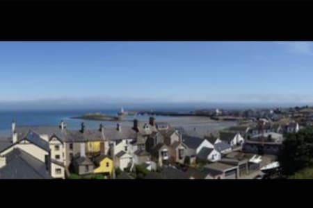 Sea views in heart of donaghadee - Donaghadee