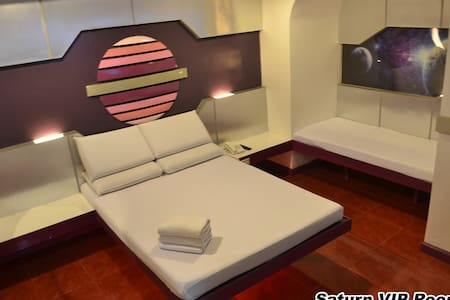Astrotel Caloocan - Bed & Breakfast