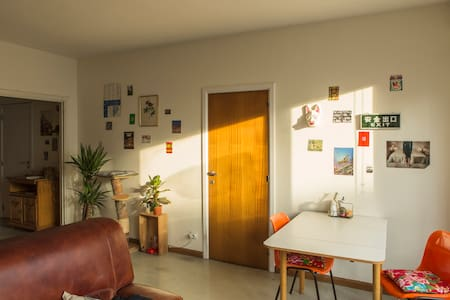 Bright Apartment Near Trainstation