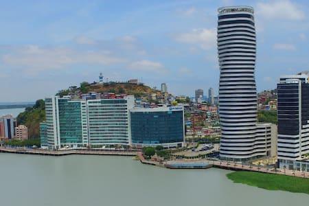 Suite de Lujo amoblada en el mejor sector de Gye. - Guayaquil - Kondominium