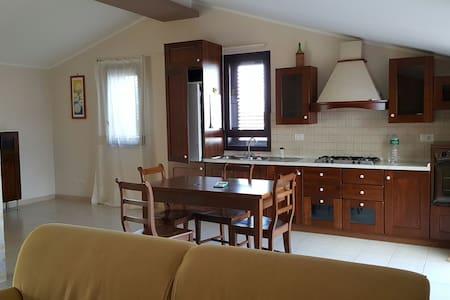 Mansarda zona residenziale - Priolo Gargallo