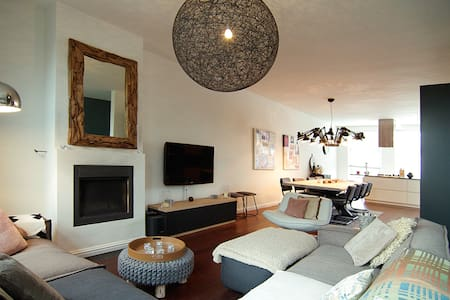 BIG apt. located in heart of Pijp! - Appartement