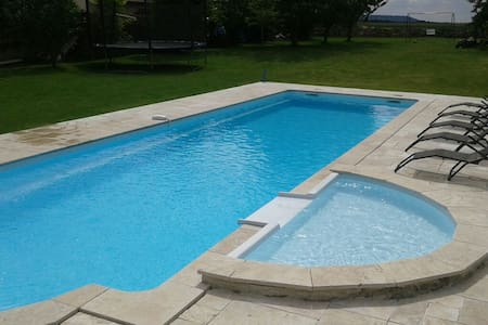 Maison grande piscine - House with heated pool - Laon - House