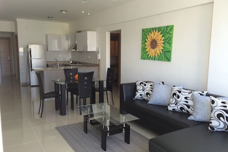 Modern 2BR w/Parking City and Ocean View - Appartement