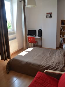 Grandes chambres d'hôtes - Bed & Breakfast. - Tourcoing