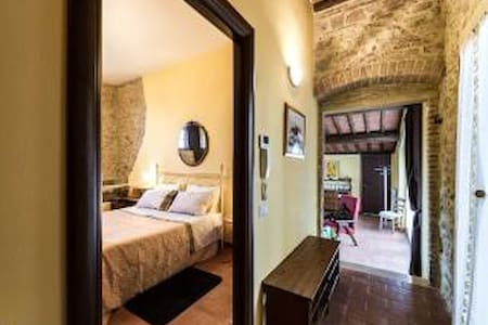 Hilltop Romance for Couples - San Gimignano - Apartment