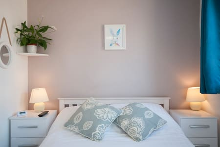 Double/Twin/King Ensuite Rooms in lovely B&B - Essex - Bed & Breakfast