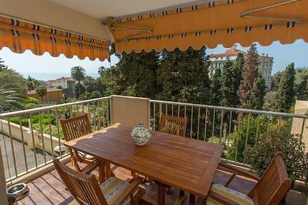 Delizioso trilocale vista mare  - fresco - Lägenhet