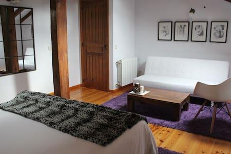 Hotel Rural Gay en Valdesaz (Hab.5) - Segovia - Bed & Breakfast