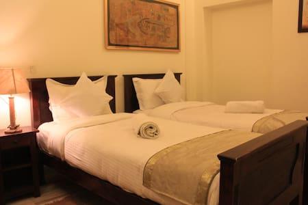 """""""The Pleasure Room"""" in Jaisalmer Fort! - Bed & Breakfast"""