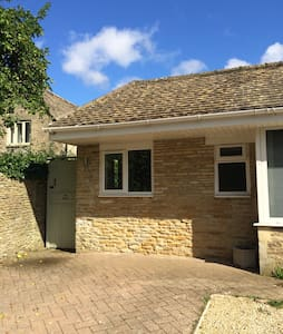 The Studio, Poulton, Cirencester - Cirencester