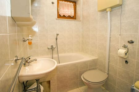 Apartments Ankica / A2 Two bedrooms - Povlja