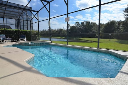 6 bedroom pool/spa home near Disney. Pet friendly. - Ház