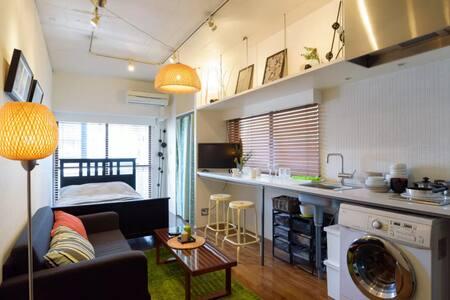 11mins Shinjuku新宿 ; 1min Azabujuban - Minato-ku - Apartment