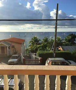 Beautiful Ocean View Apartment - Amazing Location - Casa