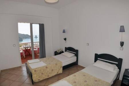SeaView room, breakfast&free pickup - Agios Gordios