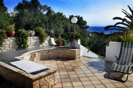 WONDERFUL VILLA CLOSE TO THE SEA - Villa