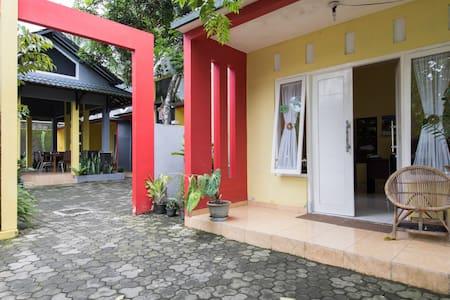 Borobudur Guest House - Rumah