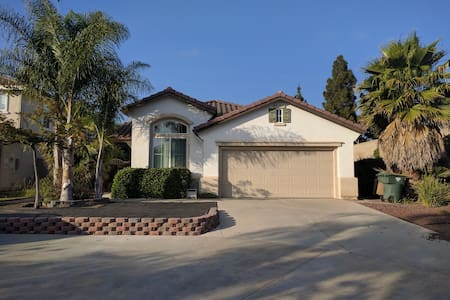 Spacious House in Camarillo CA. - 獨棟