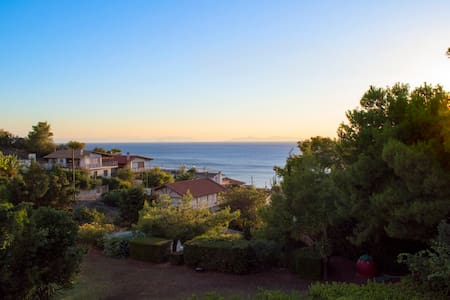 Beautiful house with garden,swimming pool and view - Leilighet
