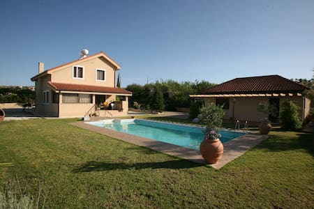 Villa with swimming pool at Vasa Kilaniou Village - Vasa