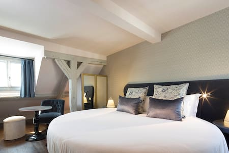 Suite with view on Paris rooftop - París
