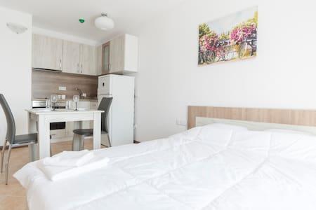 Oasis Resort Cozy Apartments Studio - Lozenets - Appartement