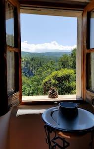 La casetta bianca nella valle dell'Orta - Casa