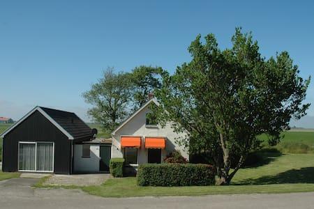 Vrijstaand huisje Friesland - Pingjum