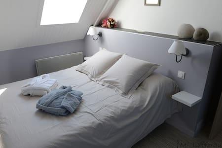 "Chambre ""ROMANCE"" - Guesthouse"