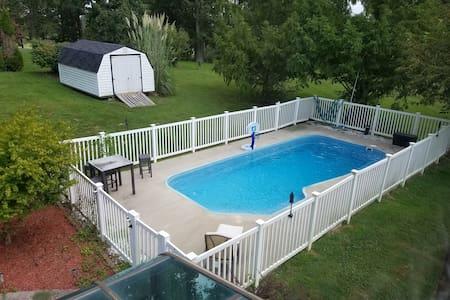 2 Bedrooms (King & Queen) | Pool, Spa & Breakfast - Elizabethtown - Haus
