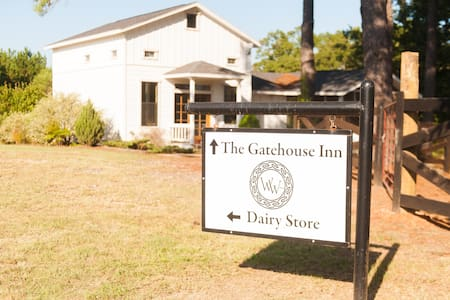 The Waldo Way Gatehouse Inn! - Mineola - Casa