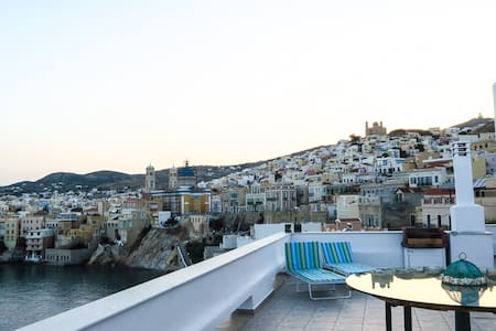 Aegean sea view in Syros island, GREECE - Rumah
