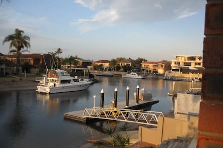 North facing Waterfront Townhouse - Townhouse