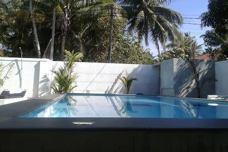 Villa Comfort private room 2 ,AC HW  Swimming pool - Hikkaduwa - Villa