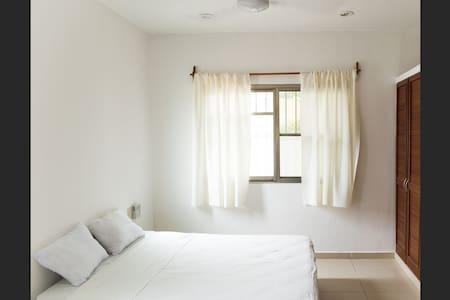 Cozy room, good location. - Apartemen