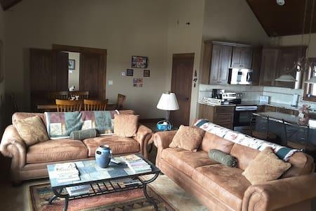 Aspen Hollow B&B Guest House - Granby