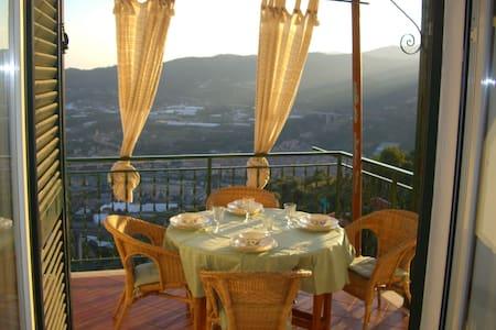 Casa panoramica a Castellaro - Castellaro - Apartemen
