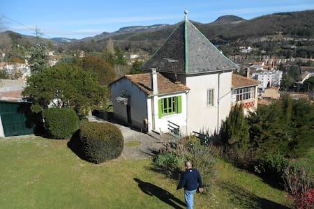 """Ancien pavillon de chasse : """"La jubilation"""" - Lodève - House"""