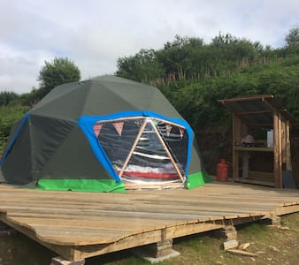 Beautiful woodland edge geodome hideaway - Yurt