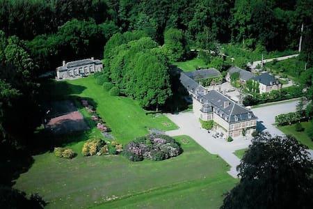 Château de Pallandt -  Chambre du S. Croquison - Genappe - Castle