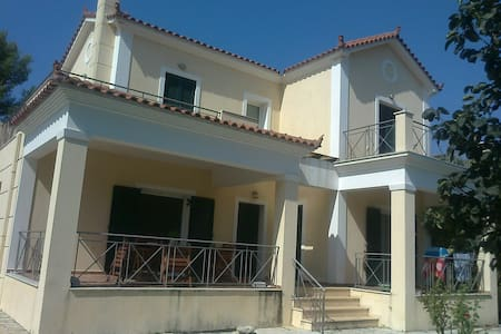 The most beautiful house in Pesada ( Cephalonia ) - Argostolion - House