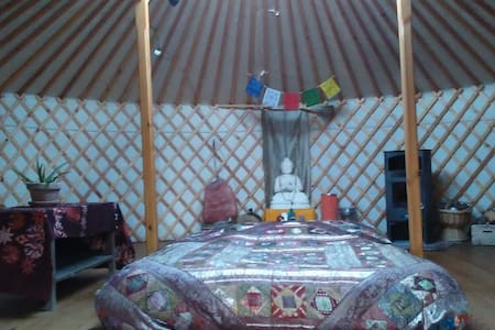 Comfortable yurt with stove - Jurtta