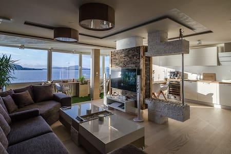 Design apmt in city center. Seaview - Wohnung