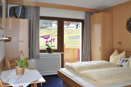 Ferienwohnung Leo - Sölden - Apartment